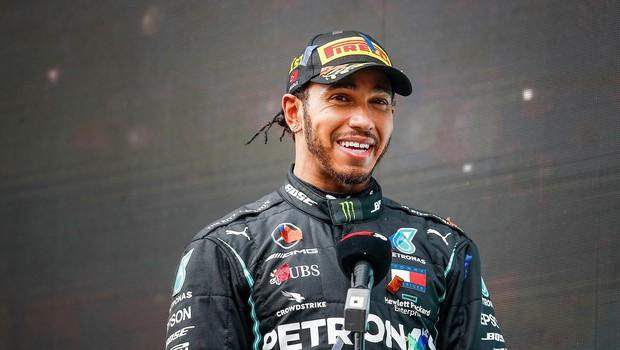 Včasih tudi svetovni prvak Lewis Hamilton doživi poraz (foto: Profimedia)