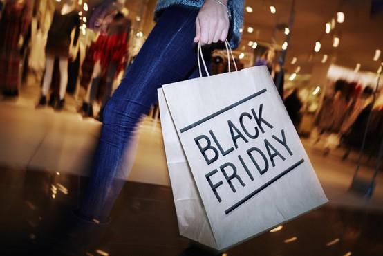 Letošnji črni petek (Black Friday) potrošniki manj zapravljivi kot v preteklih letih
