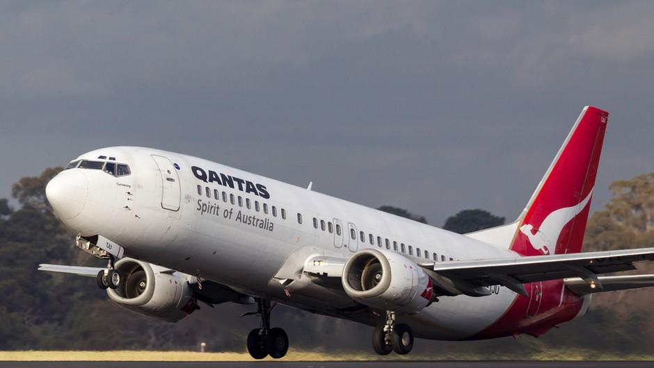 Qantas: Potrdilo o cepljenju proti koronavirusu bo obvezno za vse letalske potnike (foto: Shutterstock)