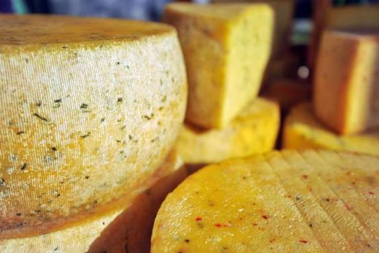 Nizozemska policija prijela par, ki je poskušal prodati ukraden sir