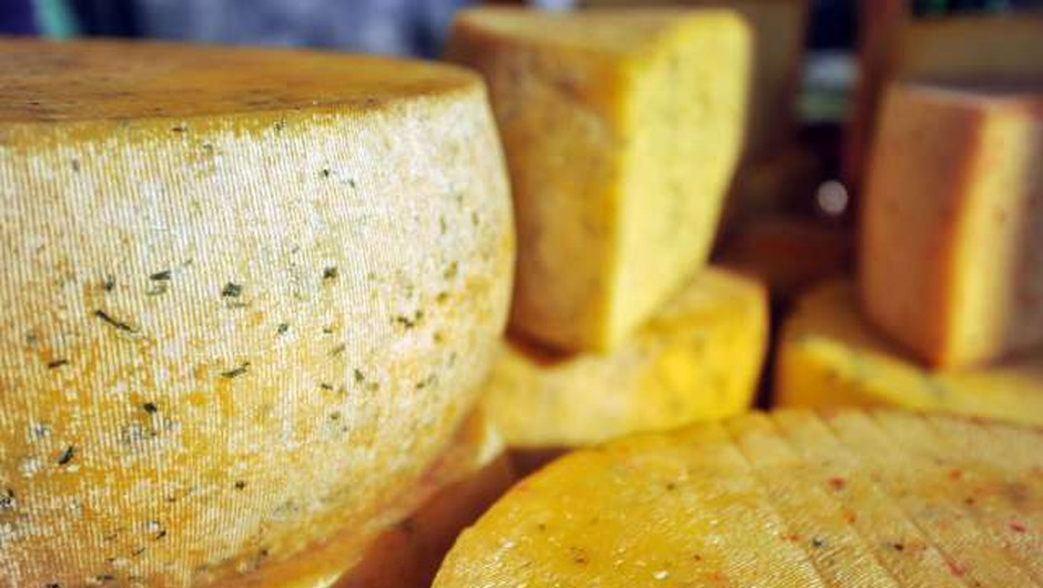 Nizozemska policija prijela par, ki je poskušal prodati ukraden sir (foto: Tamino Petelinšek/STA)