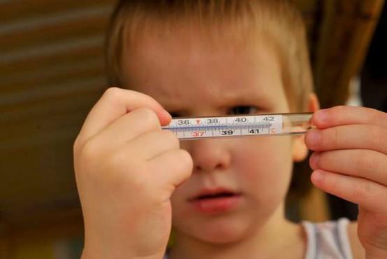 Covid-19 lahko pri otrocih pusti hude imunske posledice v obliki vnetja organov