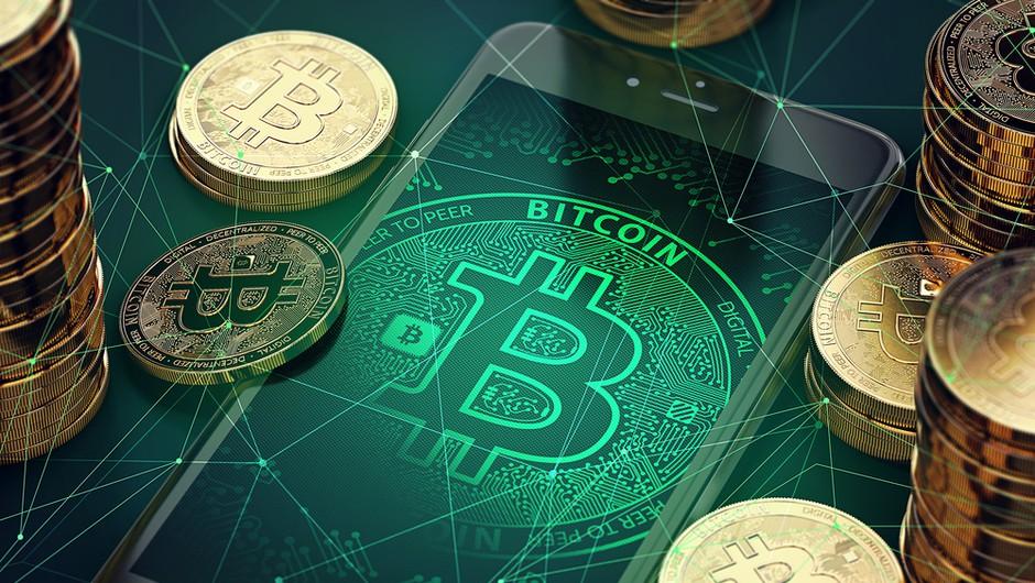 Bitcoin danes dosegel novo rekordno vrednost, visoko tudi druge kriptovalute (foto: Shutterstock)