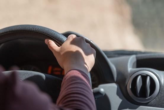 Podaljšanje veljavnosti vozniških dovoljenj le v primeru nezmožnosti usposabljanja