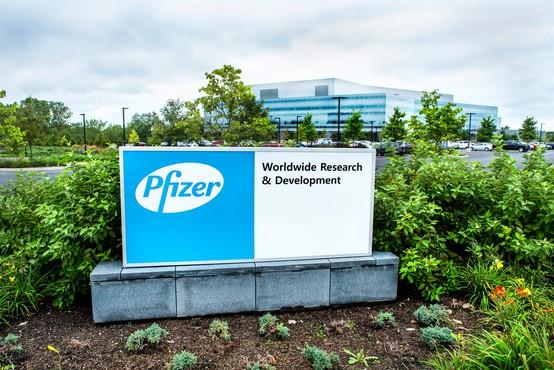 Cepivo Pfizerja bodo v ZDA verjetno začeli uporabljati že naslednji teden, prve bodo cepili zdravstvene delavce