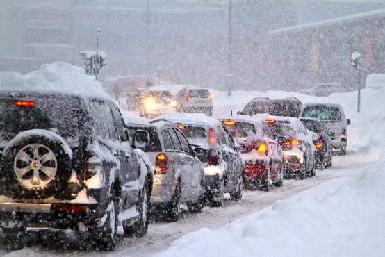 Do četrtka zjutraj lahko zapade več kot 25 centimetrov snega