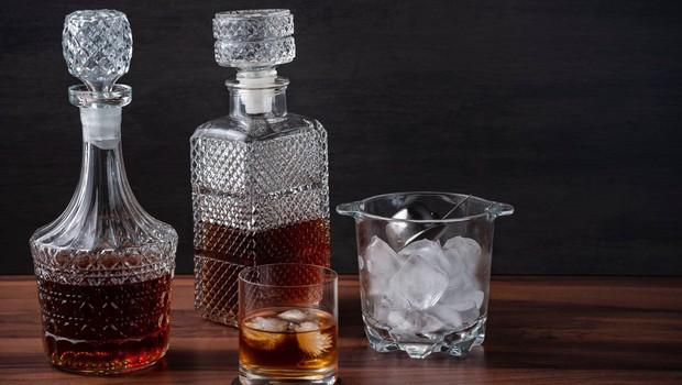Iz osebnega prevzema od ponedeljka izvzet alkohol (foto: Profimedia)