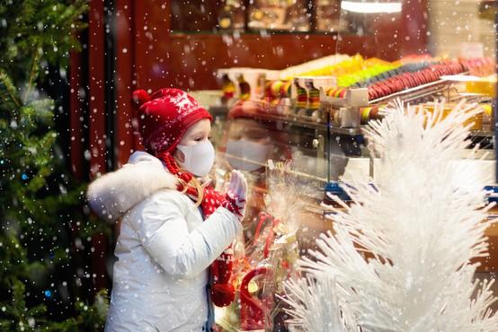 V Nemčiji koronske ukrepe podaljšali do 10. januarja, le med božično-novoletnimi prazniki delna omilitev