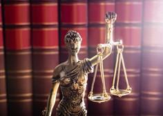 Vlada bo po odločitvi ustavnega sodišča poslej predpise objavljala v uradnem listu