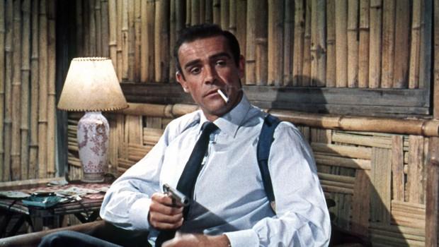 Pištolo Jamesa Bonda, ki jo je imel  v filmu Dr. No Sean Connery, na dražbi prodali za četrt milijona (foto: profimedia)