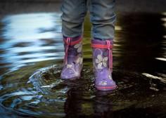 Na zahodu države narasle vode povzročajo težave