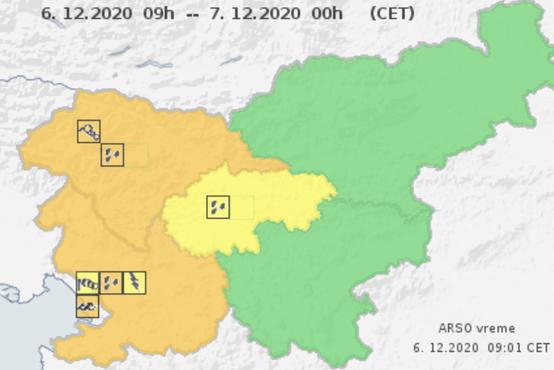 Oranžni alarm za zahodno Slovenijo, okrepljen jugo, močno deževje in nevarnost plazov