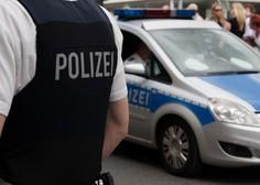 Policija zaradi kršenja protikoronskih pravil prekinila svingersko zabavo