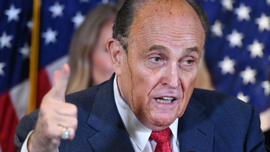 Trumpov odvetnik Giuliani pozitiven na koronavirus, v nedeljo so ga prepeljali v bolnišnico (foto: Shutterstock)