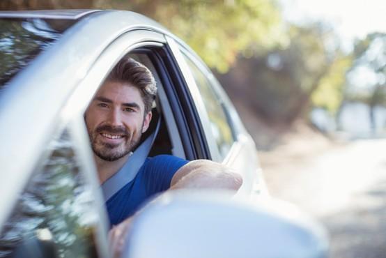 Kupujete nov avtomobil? To so 3 stvari, ki jih mora imeti vaše vozilo