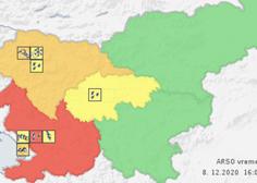 Ponoči okrepitev padavin, na Primorskem rdeči alarm zaradi poplavljanja rek in močnejših hudournikov