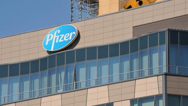 Pfizer in BioNTech razvijata novo različico cepiva proti covidu-19 (foto: Shutterstock)