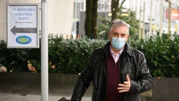 Epidemija načenja tudi vlado: Počivalšek za spremembo strategije, Gantar razmišlja tudi o odstopu (foto: Nebojša Tejić/STA)