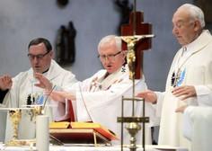 Škofje pisali Janši, da pričakujejo odpravo prepovedi verskih obredov