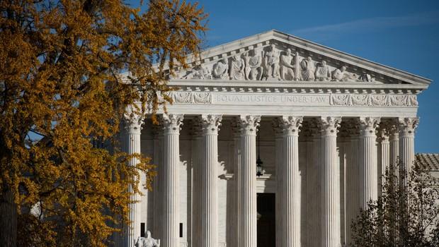 Ameriško vrhovno sodišče zavrnilo tožbo Teksasa, da v štirih državah pripiše zmago Trumpu (foto: profimedia)