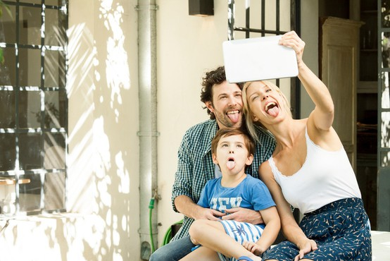 5 razlogov, zakaj ni pametno objavljati fotografij otrok na družbenih omrežjih