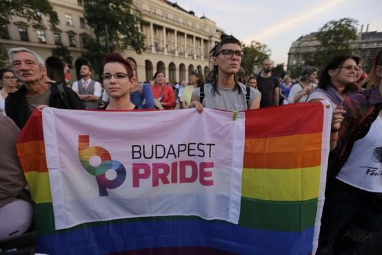 Na Madžarskem istospolnim osebam dodatno omejili pravice