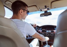 Mladi vozniki močno zmanjšali delež smrti v prometnih nesrečah z alkoholom