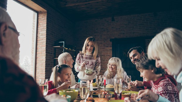 Kako praznike preživeti varno in v dobri družbi (foto: Shutterstock)