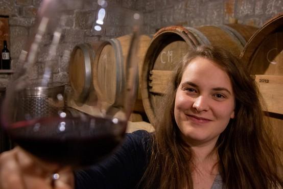 Mlada vinarka s Krasa: Z dostavo terana na dom smo le deloma nadomestili prodajo v kleti