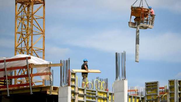 Slovenija oktobra z enim največjih padcev gradbenih del v EU (foto: Tamino Petelinšek/STA)