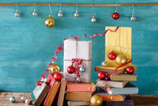 Predpraznični paket knjig za otroke in mladino ter ena za učitelje in starše