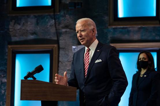 Biden napovedal, da se bo javno cepil proti covidu-19