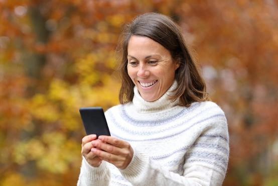 V tretjem četrtletju poslanih 10 odstotkov več sporočil MMS