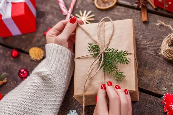 3 ideje za božična darila, ki bodo vse ženske blazno osrečila