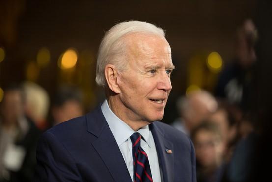 Proti covidu-19 se je cepil tudi Joe Biden in dejal: Ničesar se ni treba bati