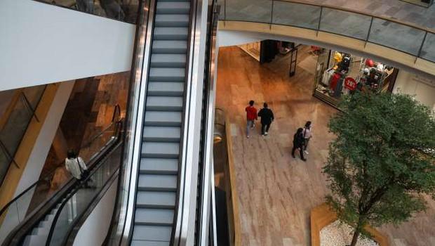 Potrošniki ob koncu leta nekoliko bolje razpoloženi (foto: Anže Malovrh/STA)