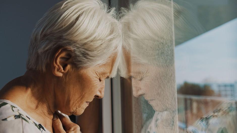 Telekom Slovenije z donacijo v višini 20.000 evrov pomaga starejšim, ki živijo sami (foto: Profimedia)