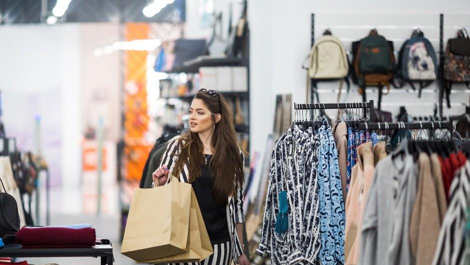Le še danes odprte nekatere trgovine in storitve, na mizi predlog za striktno zaprtje južne meje (foto: Shutterstock)