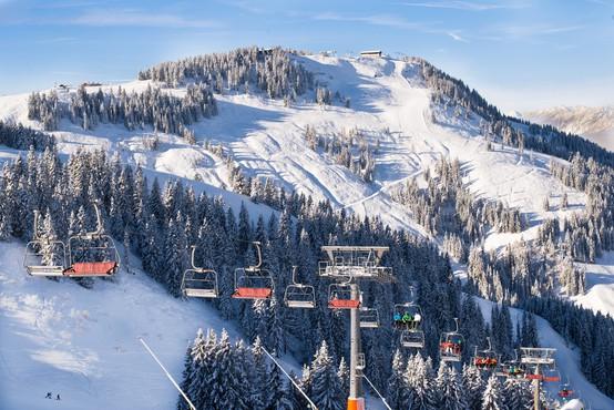V Avstriji odpirajo smučišča, a zaradi strogih omejitev pričakujejo le domačine