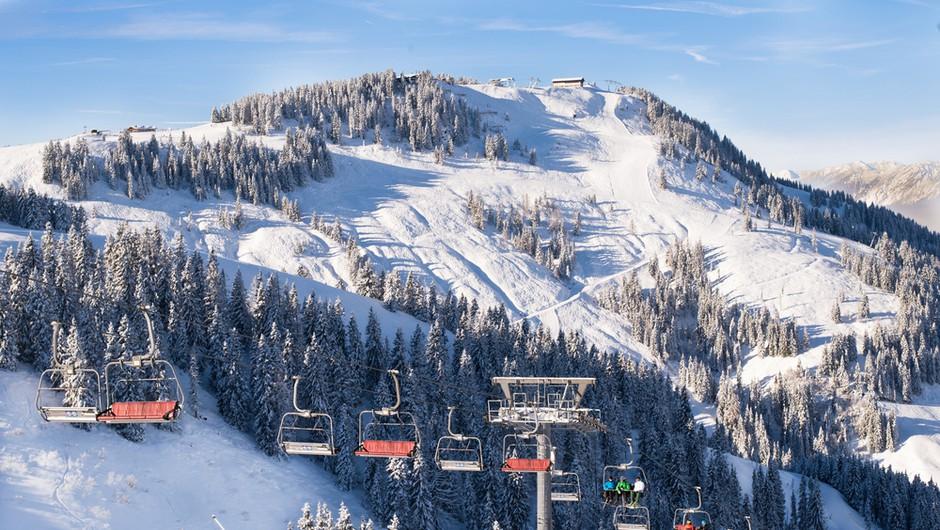 V Avstriji odpirajo smučišča, a zaradi strogih omejitev pričakujejo le domačine (foto: Shutterstock)