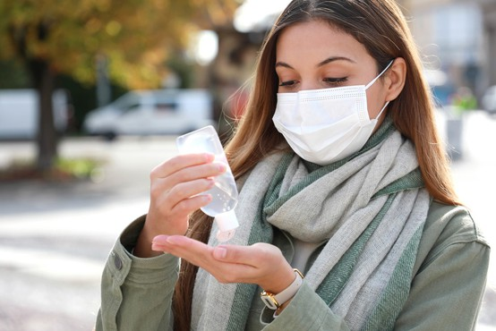 Koronastatistika: v soboto 25,1-odstotni delež okuženih in 33 umrlih