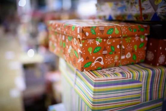 Skrivnostni božiček razveseljeval z dragim darilom