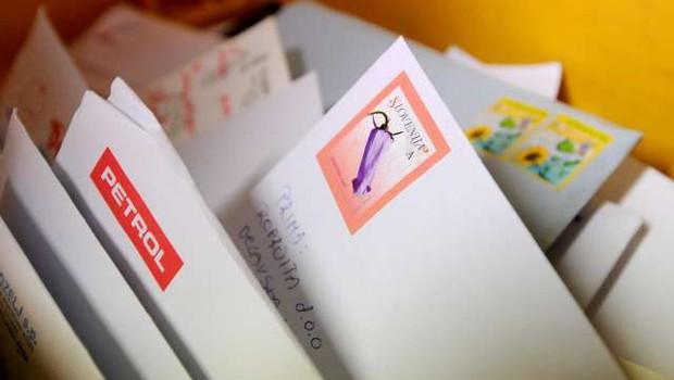 Z januarjem delitev pisemskih pošiljk glede na vsebino (foto: Tamino Petelinšek/STA)