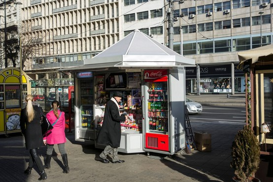Vnovič odprte tržnice, trafike in frizerski saloni