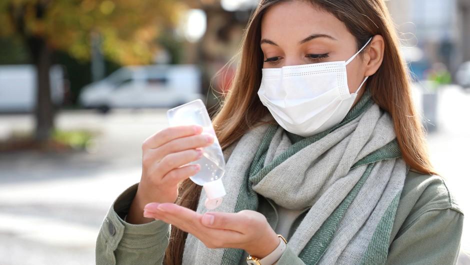 V nedeljo potrdili 517 okužb, delež pozitivnih testov znaša 26,2 odstotka (foto: Profimedia)