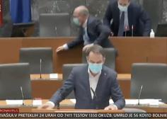 Poslanci prekinili sejo, ko je zaradi potresa začelo tresti tudi zgradbo parlamenta (video)