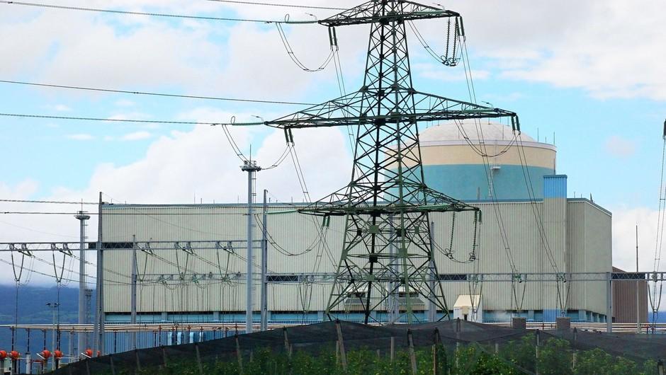 Nuklearko so ponoči ponovno zagnali, danes predviden prehod na polno obremenitev (foto: Profimedia)