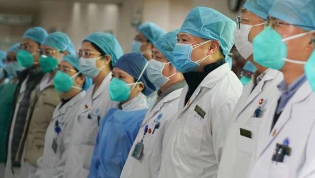 Kitajska pred letom dni WHO obvestila o izbruhu skrivnostne pljučnice (foto: Xinhua/STA)