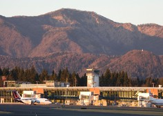 Na petih mejnih prehodih in brniškem letališču poslej testiranje s hitrimi testi