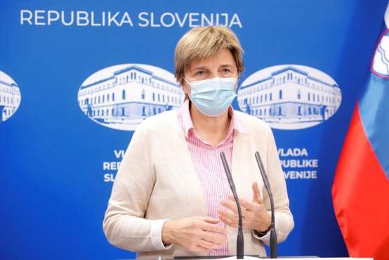 V Sloveniji nova pošiljka cepiv proti covidu-19, cepili bodo predvsem zaposlene v zdravstvu